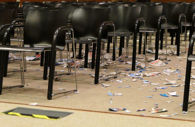 Von linken Chaoten gesprengte AfD-Veranstaltung im Hilde-Domin-Saal der Stadtbücherei Heidelberg